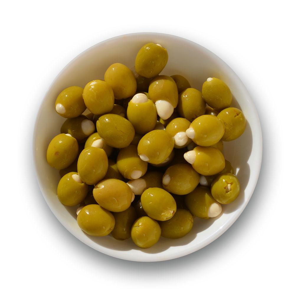 Aceitunas rellenas de almendra con sabor a anchoa